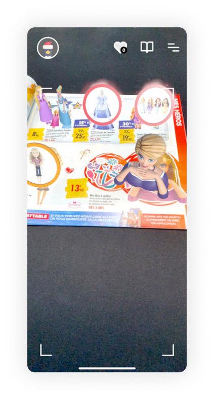 Les jouets apparaissent en 3D sur le catalogue de Noël Carrefour, ici le buste Barbie.