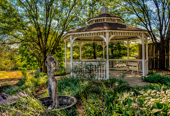 Autumn View Gardens Assisted Living and Memory Care Garden