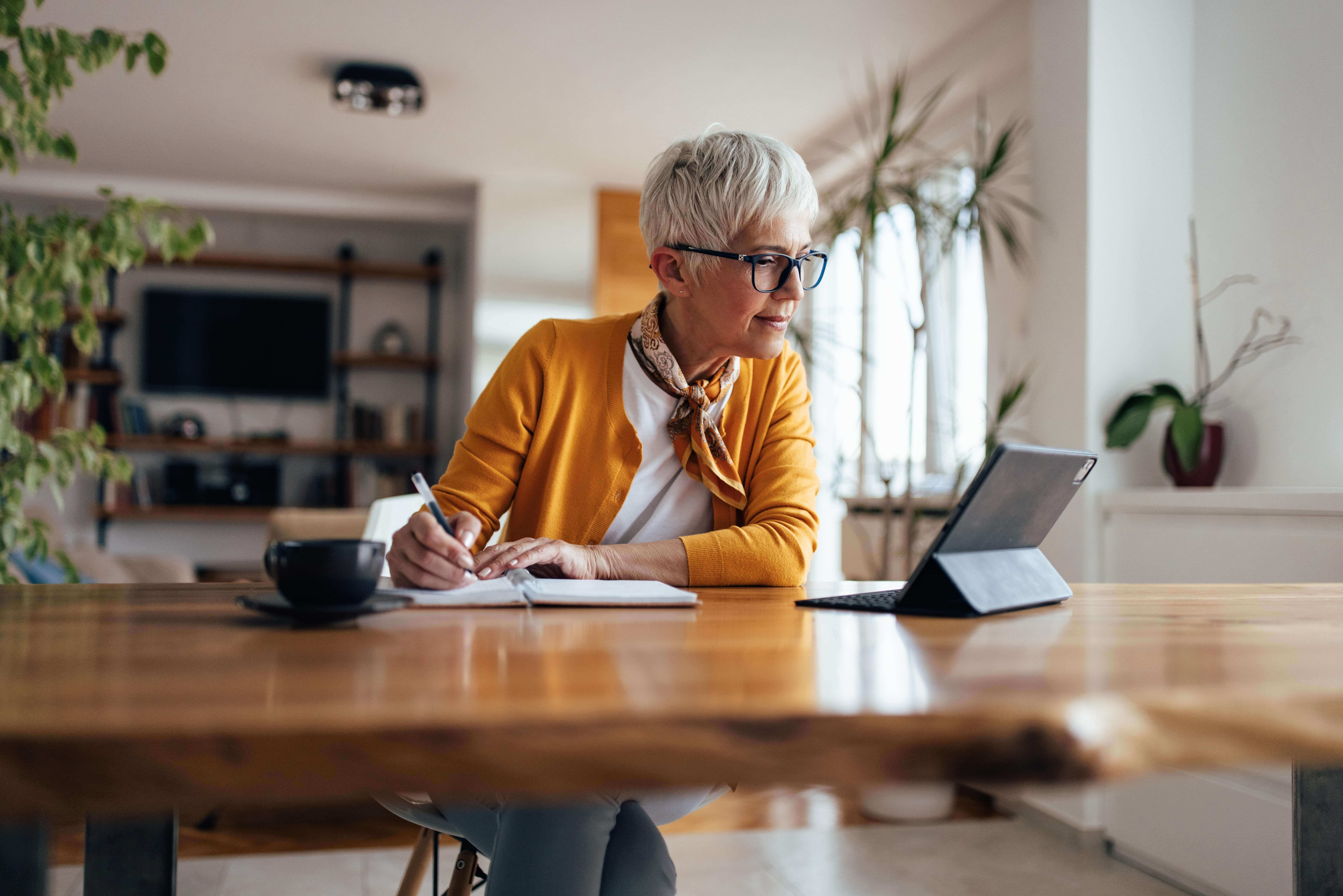 5 Ways for Seniors to Stay Informed