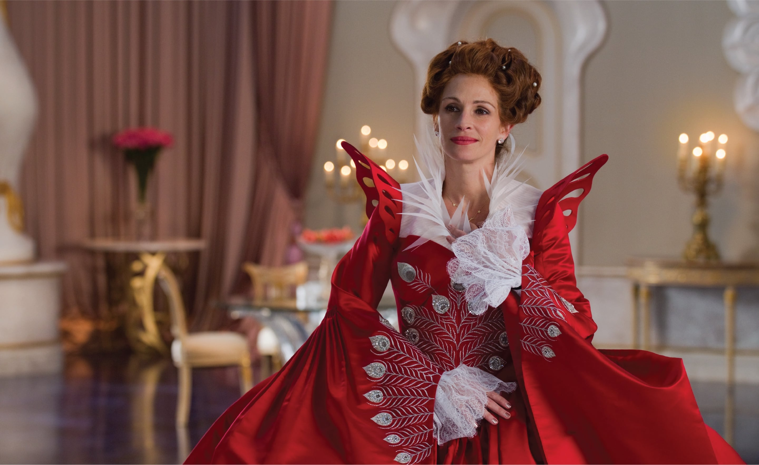 Julia Roberts in Mirror Mirror wearing large red and white gown