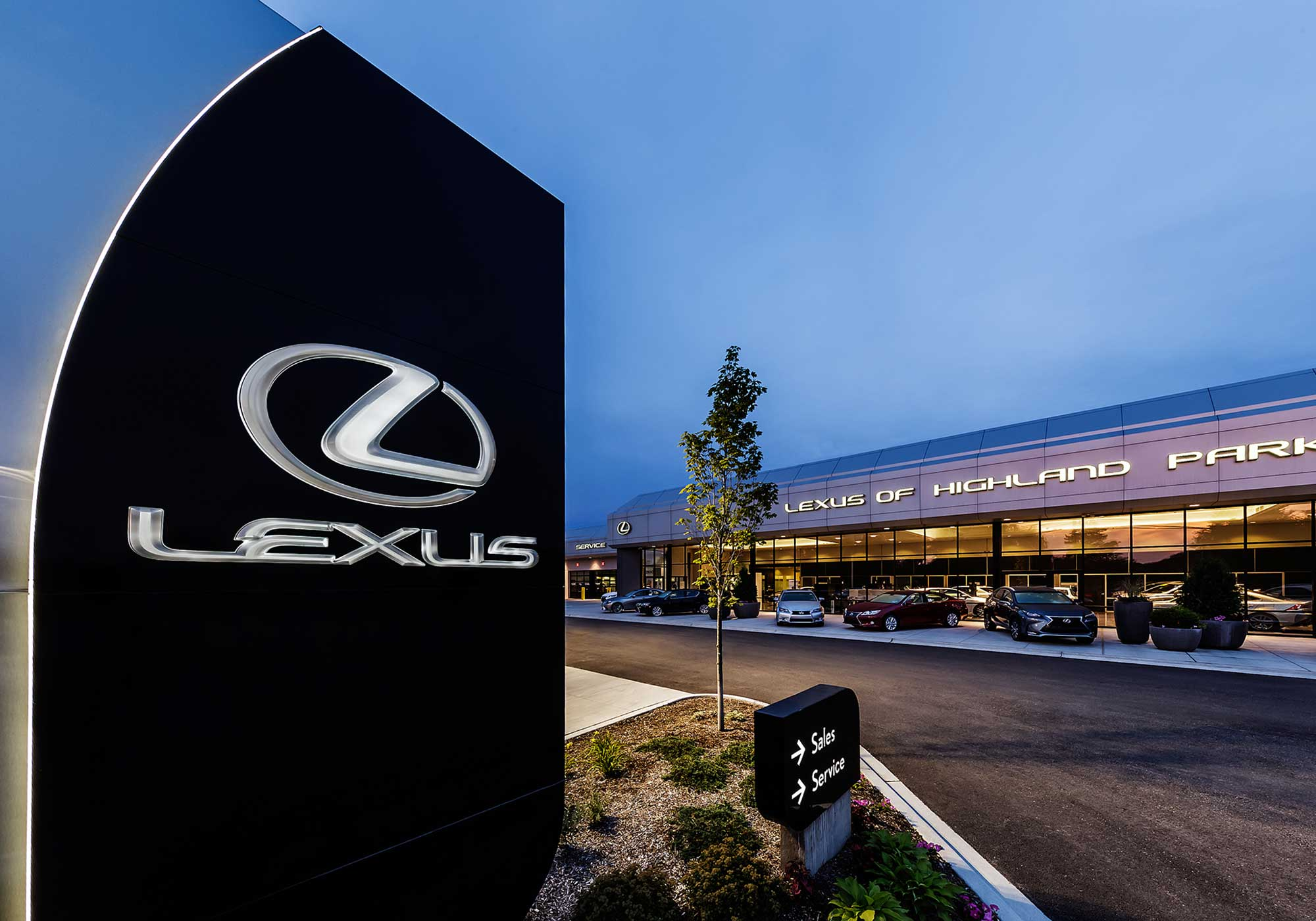 Lexus sign outside of the dealership
