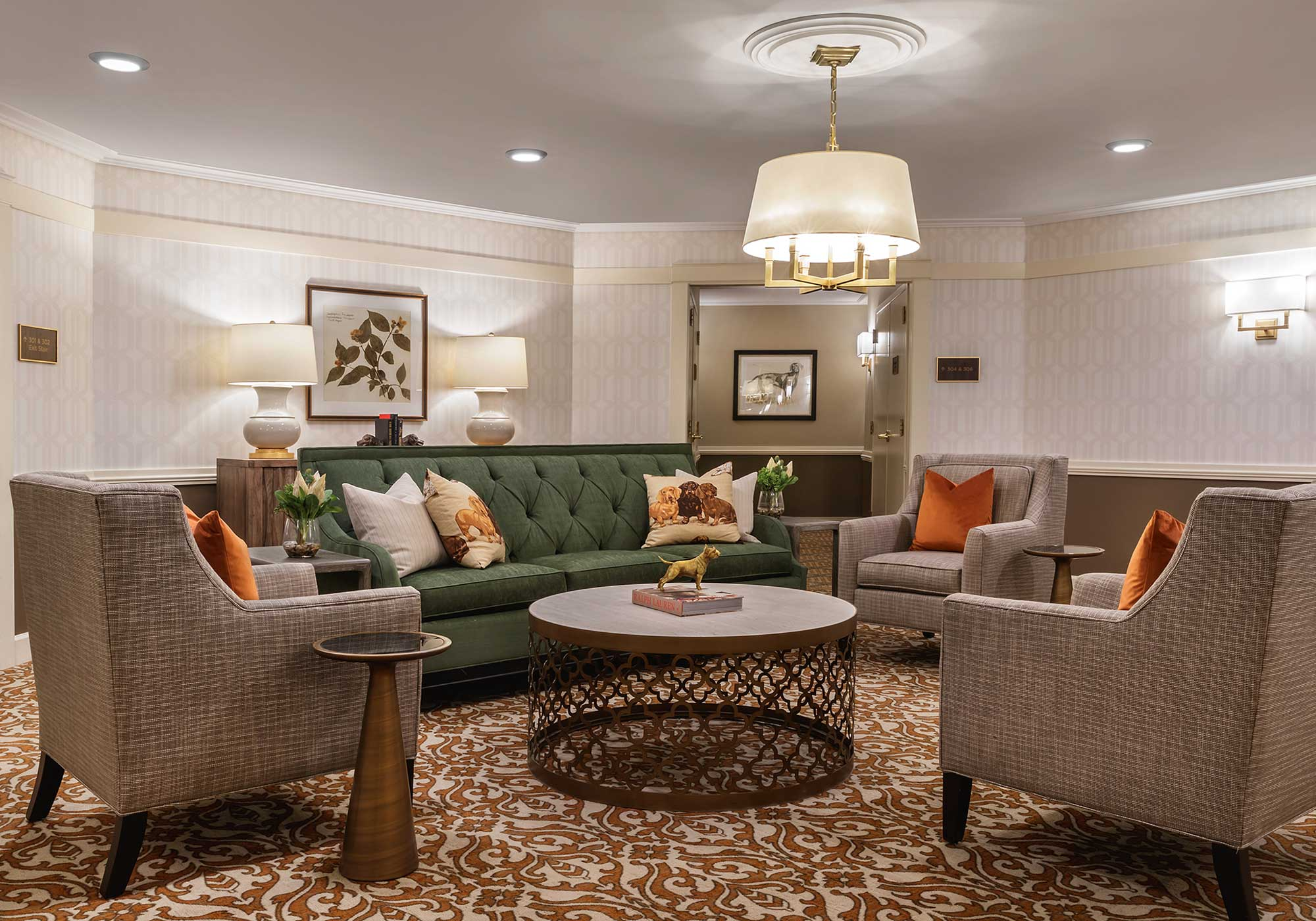 Common area with rustic sofas and chairs