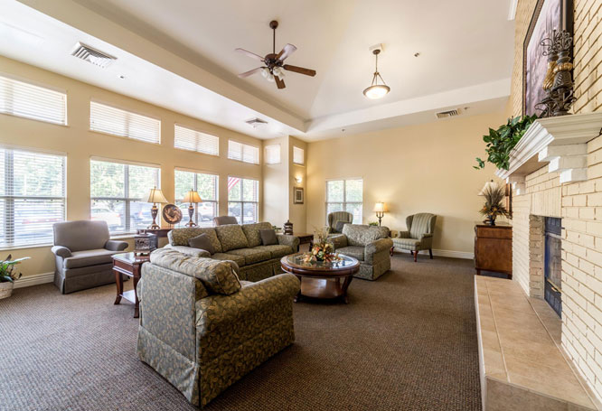 Autumn View Gardens Senior Living Sitting Room, Creve Coeur