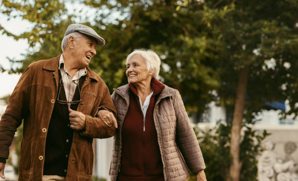 8 Benefits of Walking for Seniors
