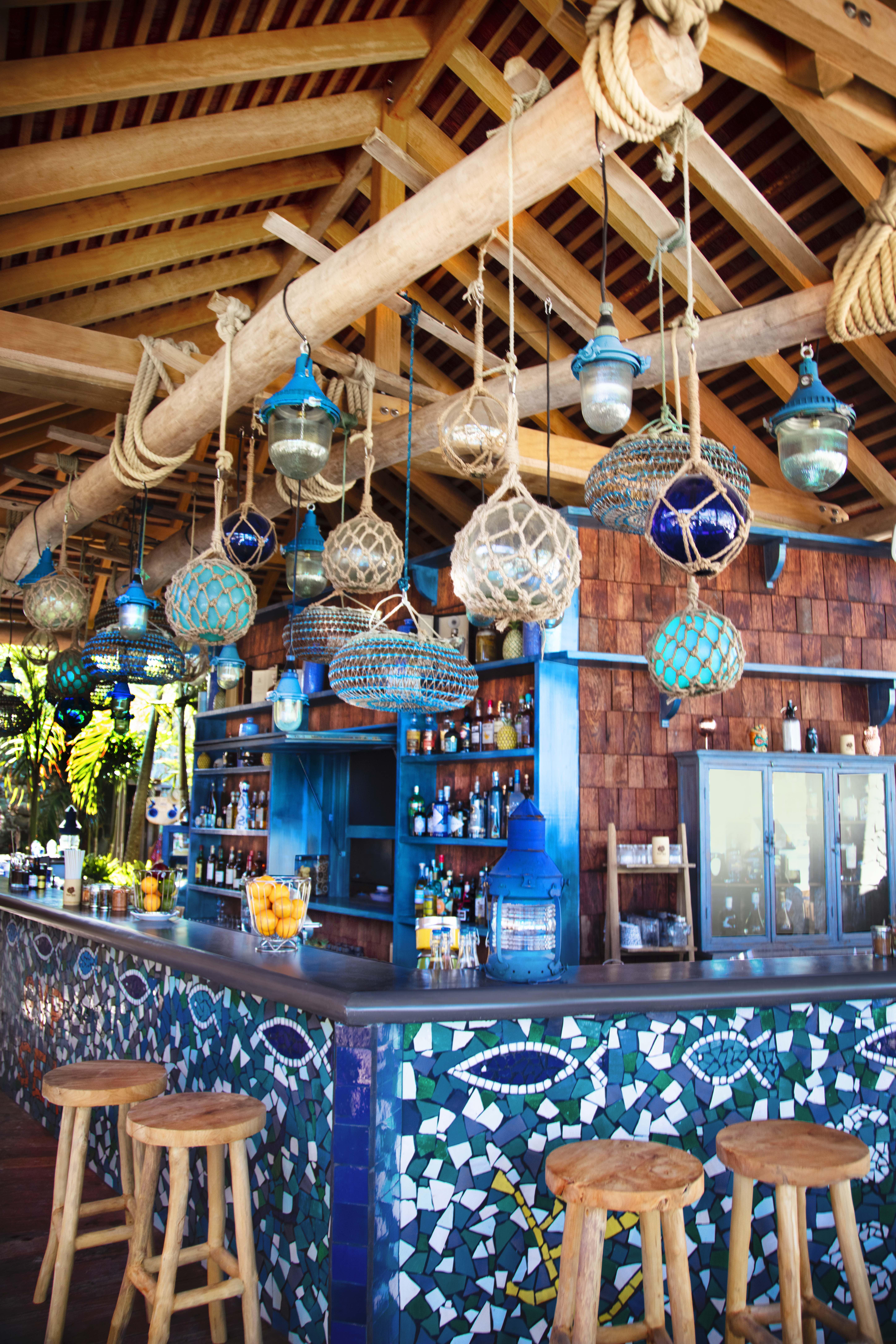 cocktail beach bar saint barth
