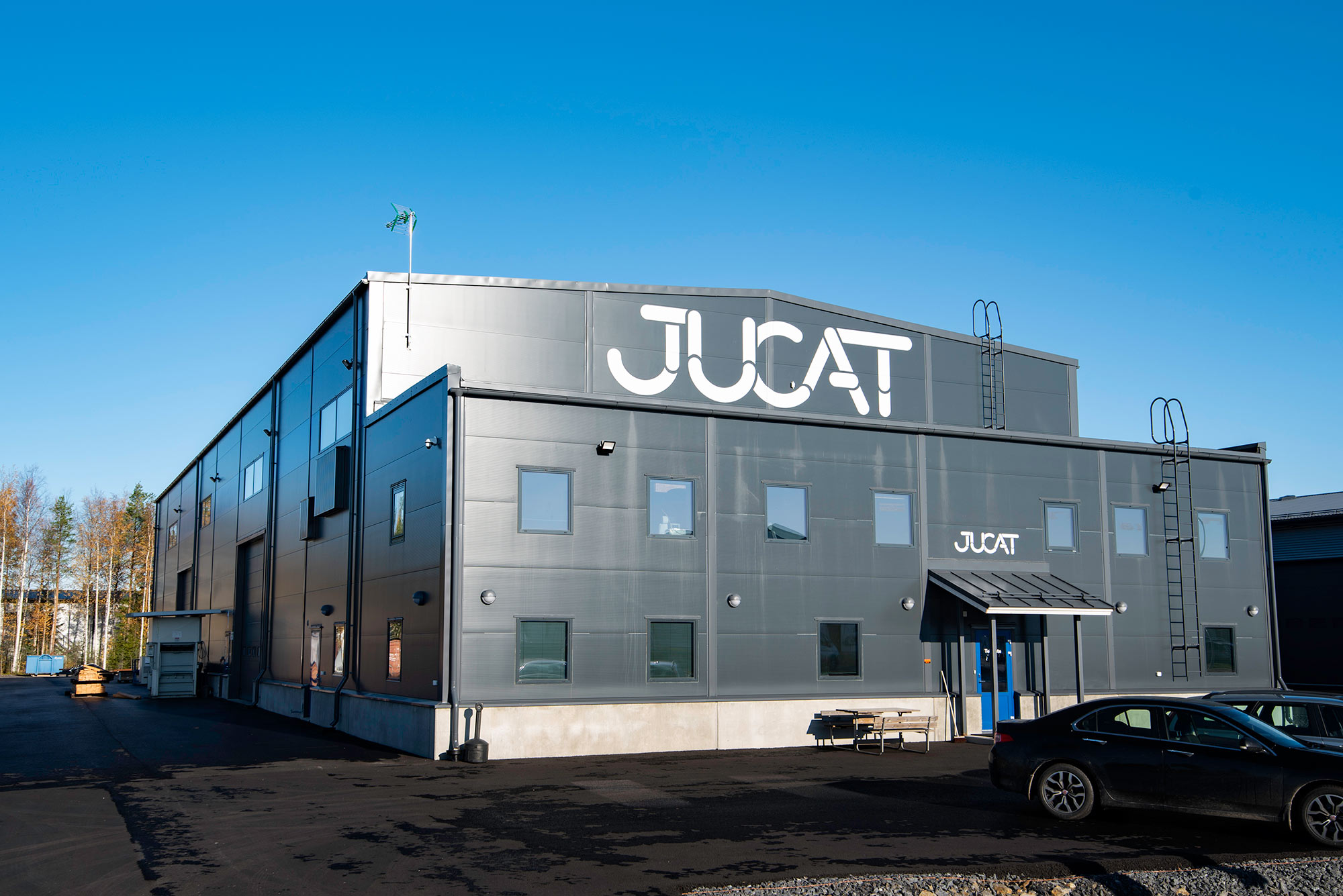 Trutec Oy rakensi toimitilahallipaketin Jucat Oy:n uusiin toimitiloihin Seinäjoelle.