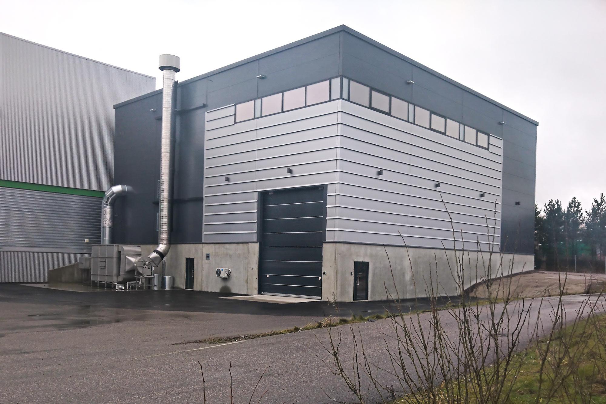 Trutec Oy rakensi hallipaketin aliurakkana RTA-yhtiöille. Hallissa toimii Gasum Oy:n biojätteen siirtokuormausasema.
