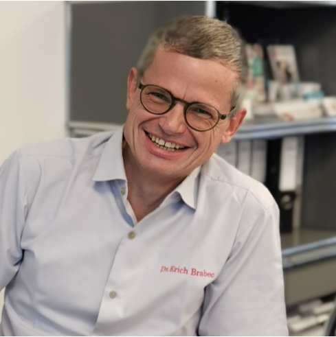 Dr. Erich Brabec