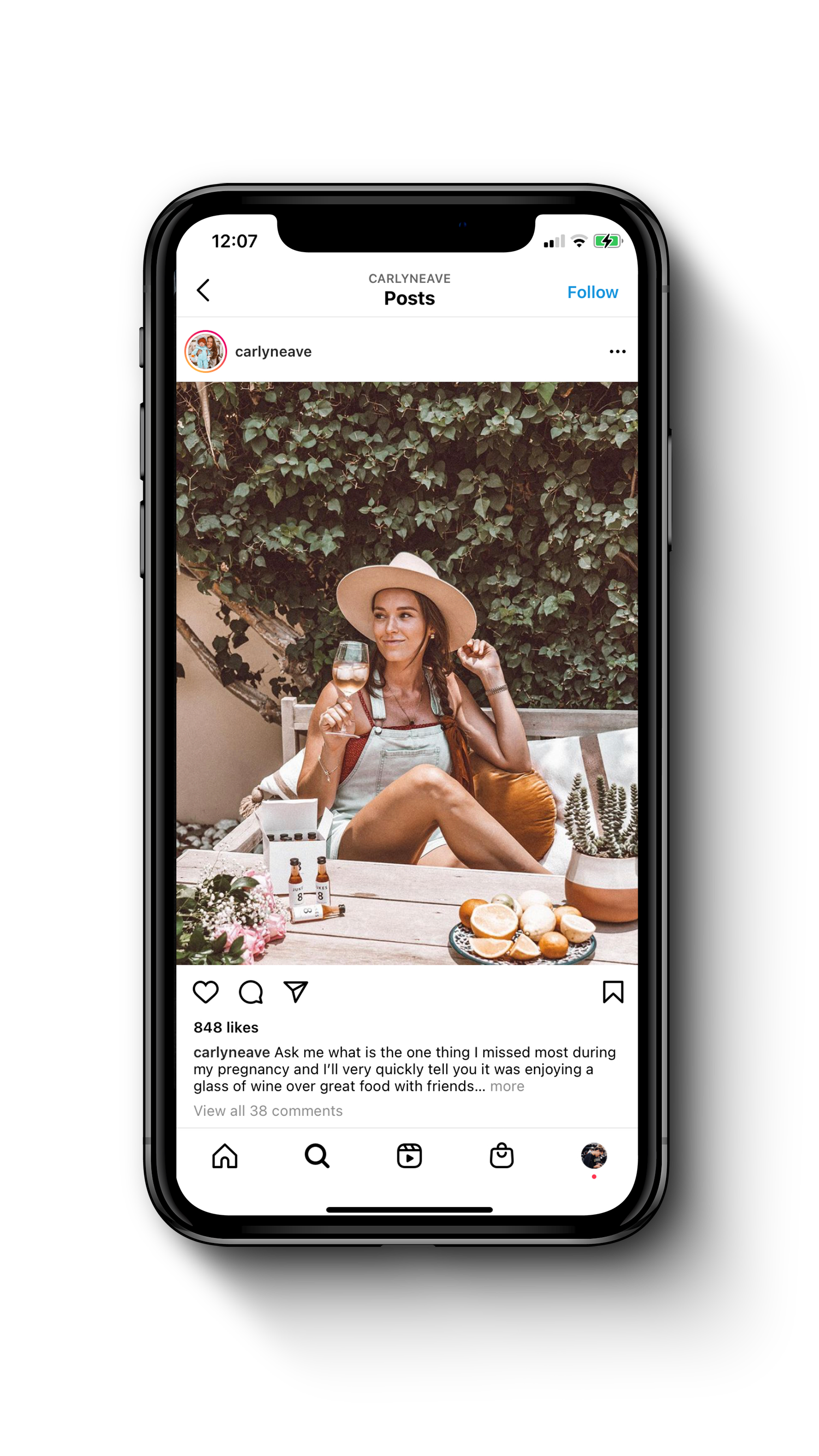 iphone showing an instagram post of an influencer using Jukes products