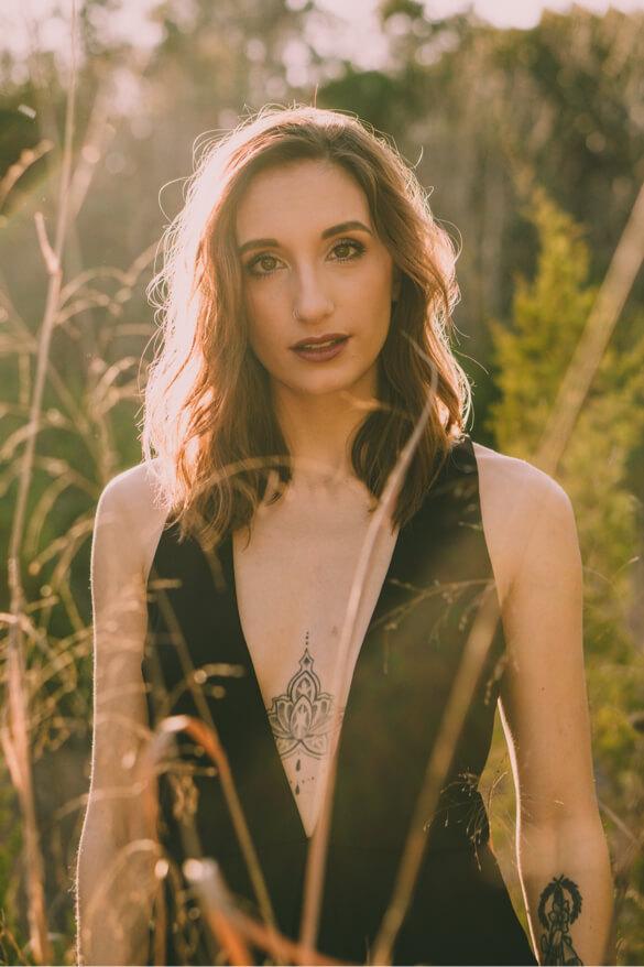 Lauren smiling outdoor photography