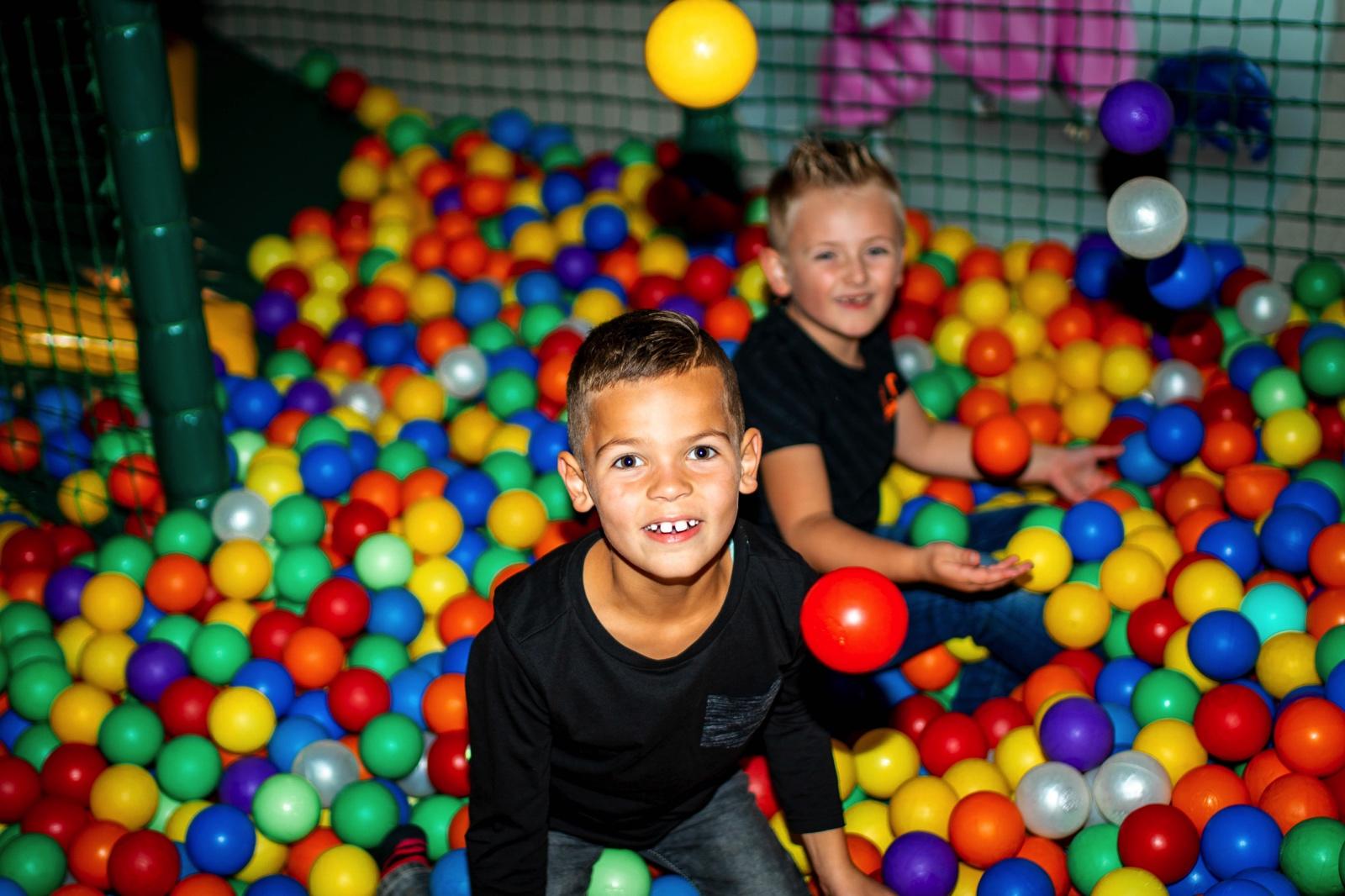 Indoor Speeltuin Speelboerderij de Hooiberg