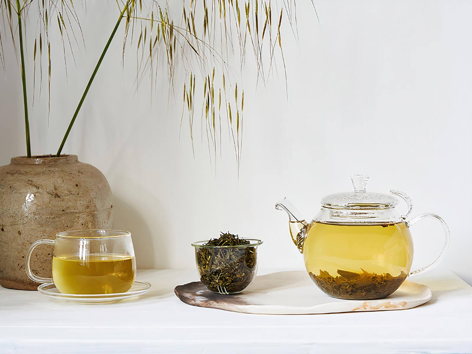 Kvalitets te på ett bord.