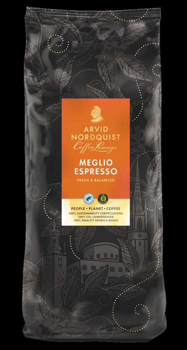 Espressoen har en tydelig og ren karakter, med aroma av melkesjokolade og rips.