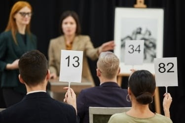 People in an auction