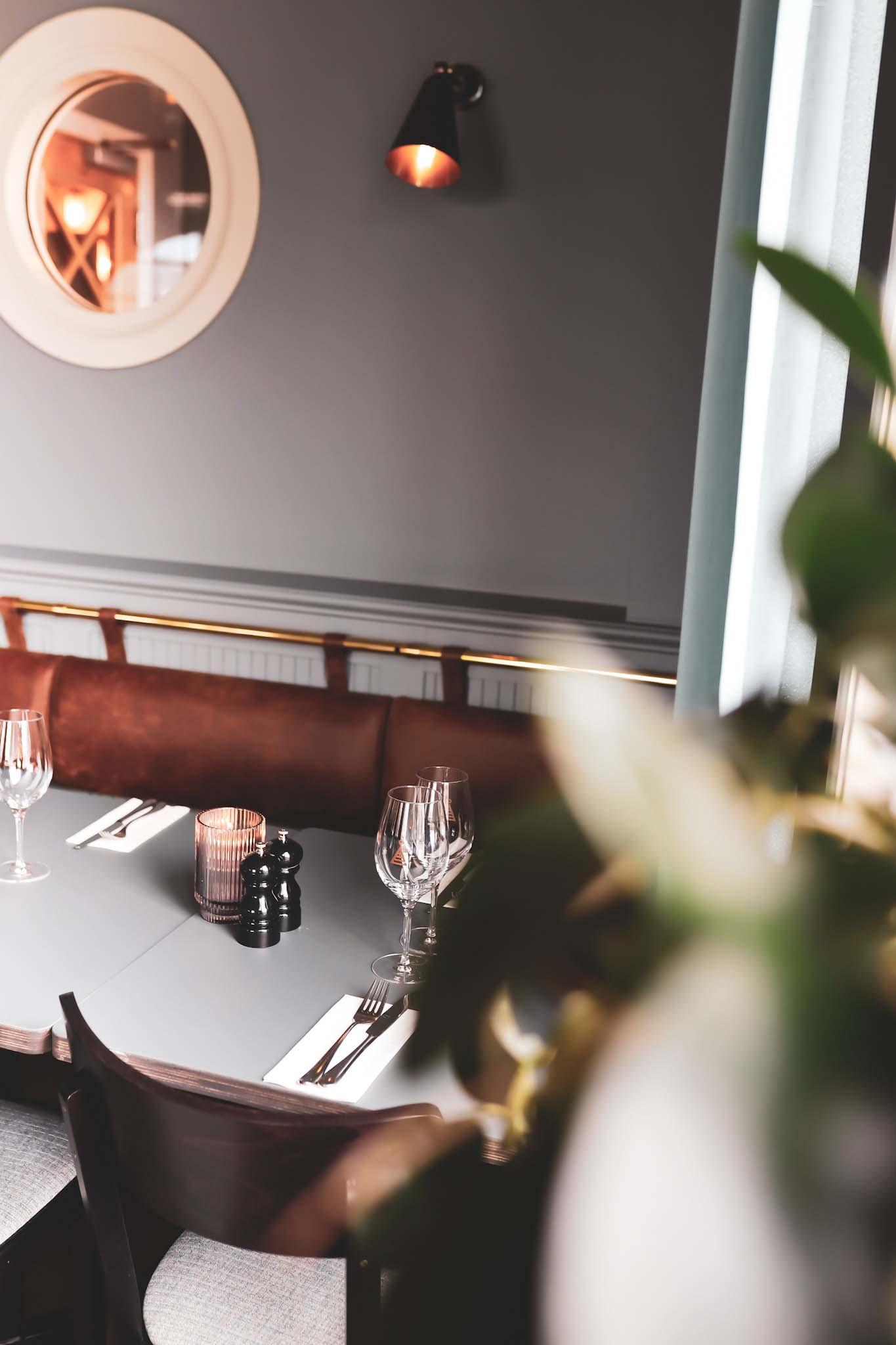 bord i åtellets restaurang