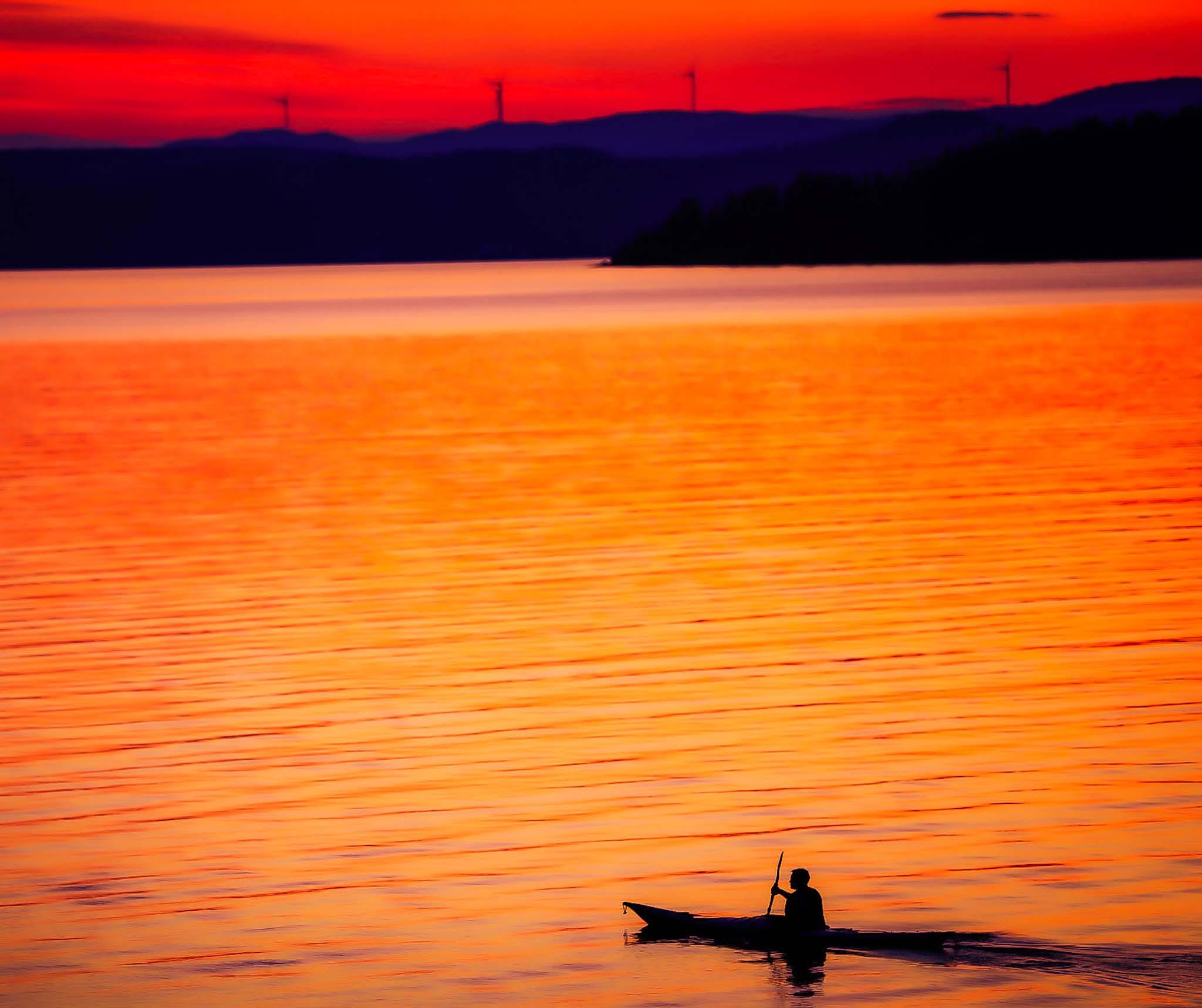 kajak i solnedgången