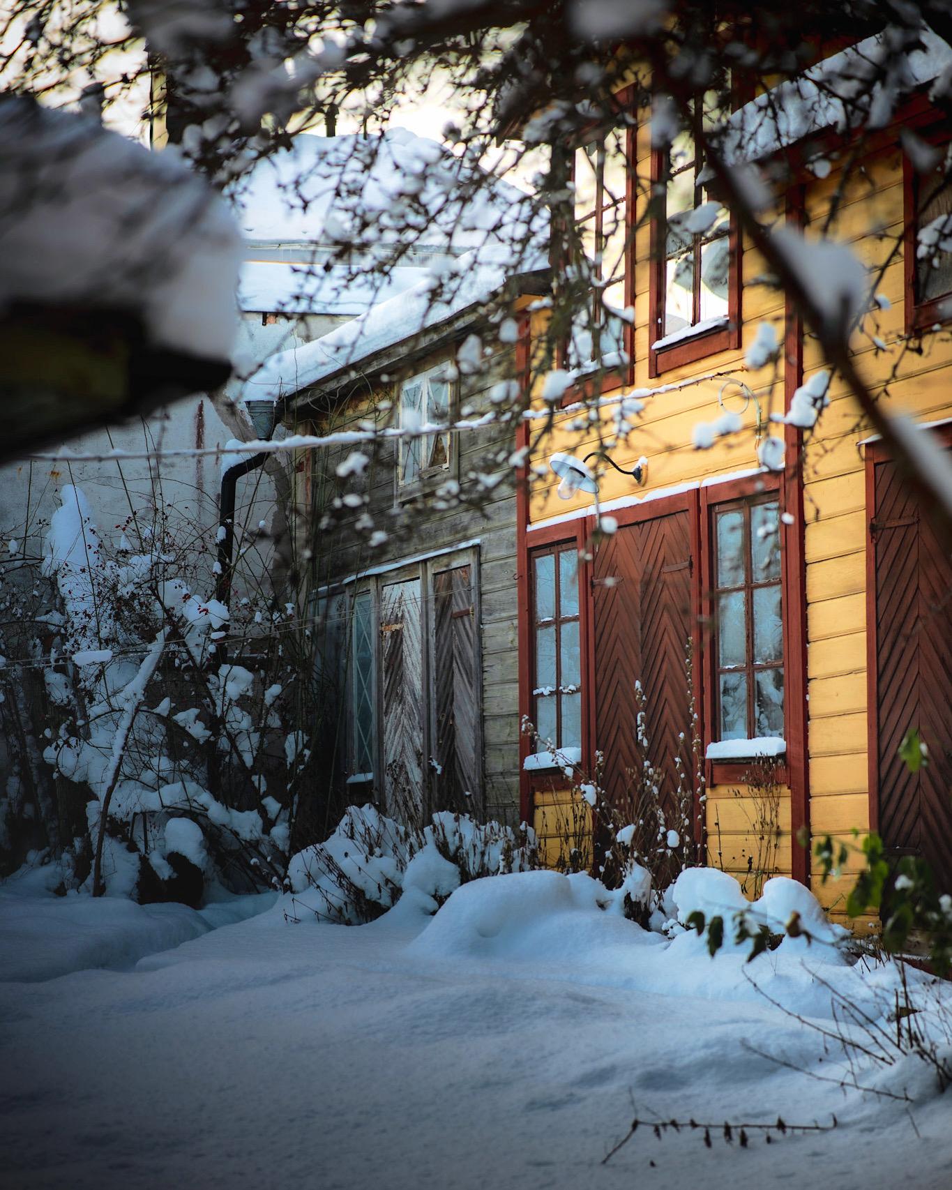 bakgård Norrtälje vinter
