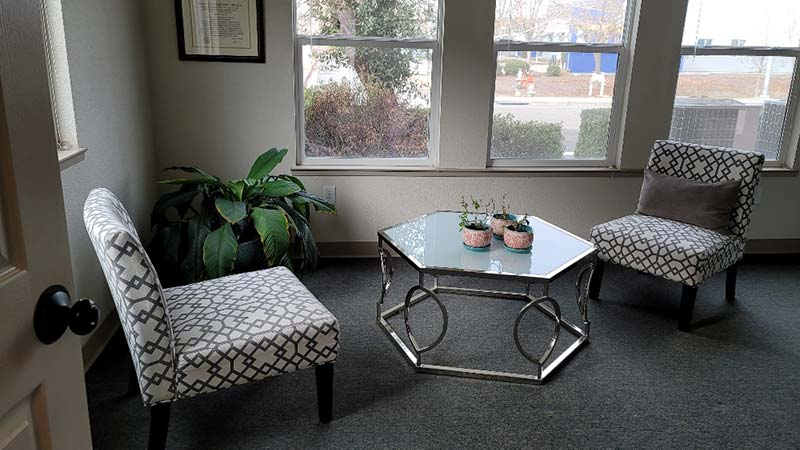 Dr. Mina Hah's consultation room at Synapse Association