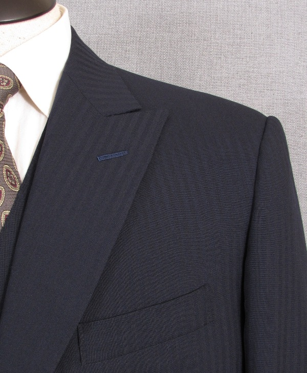 Signals of a Handmade Suit : A Shoulder That Sings