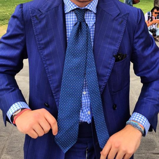 sidebyside tie