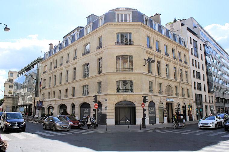 Boutique Cifonelli Paris 1