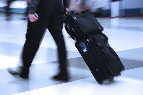 Comment plier son costume et ses chemises dans une valise ?