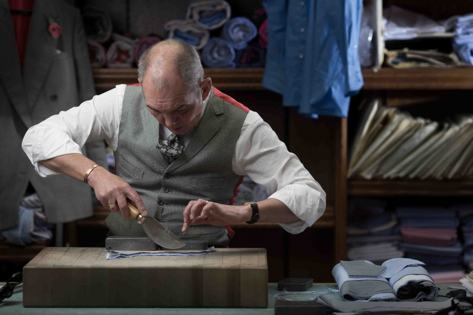 Dege-Skinner-Robert-Whittaker-bespoke-shirt-maker-938x625