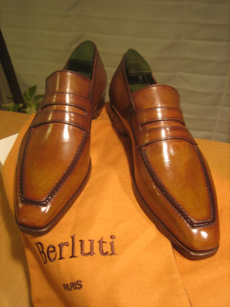 Don't sing in the rain in your Berlutis