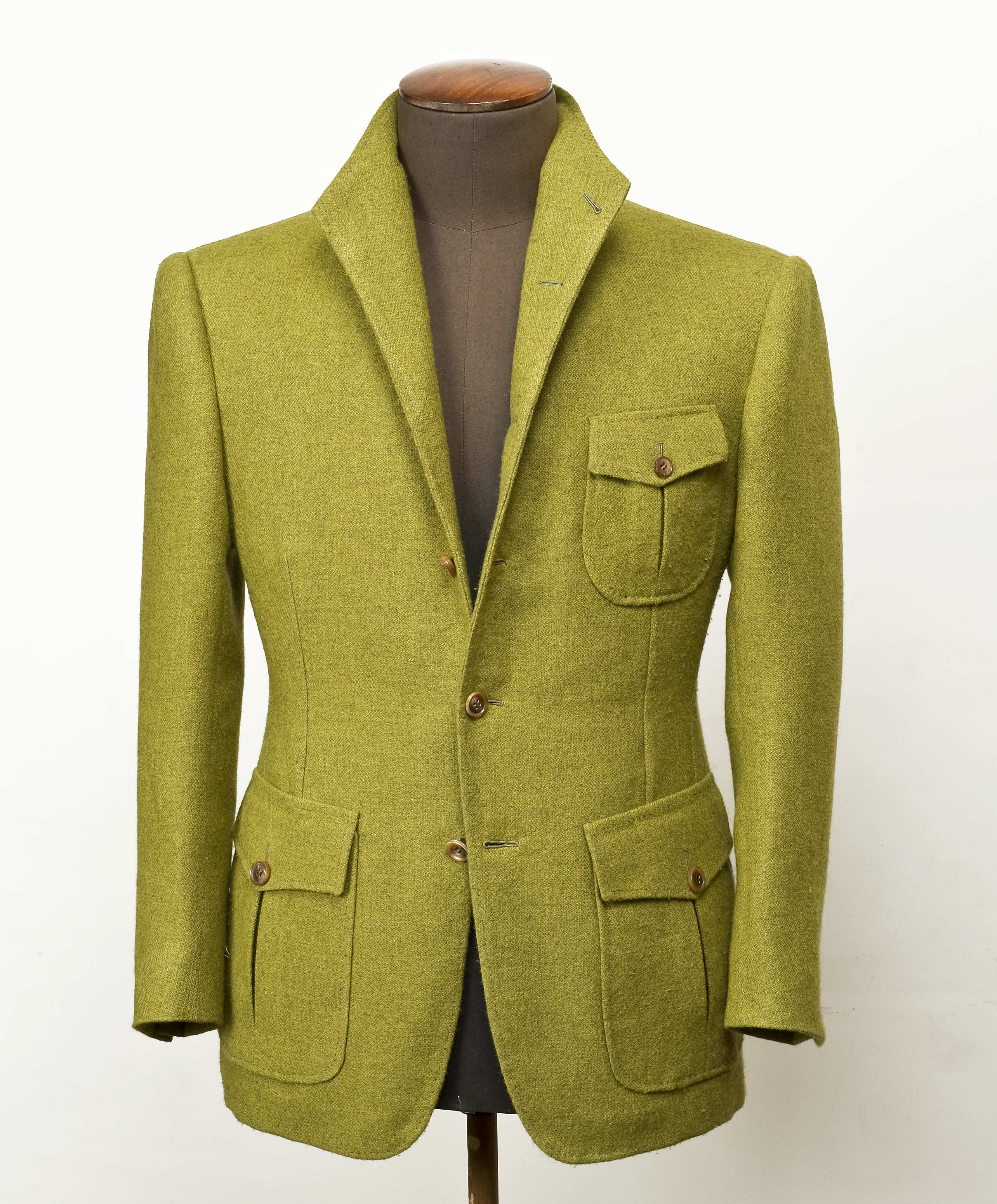 The QILIAN sport  jacket by Cifonelli: A piece from far away