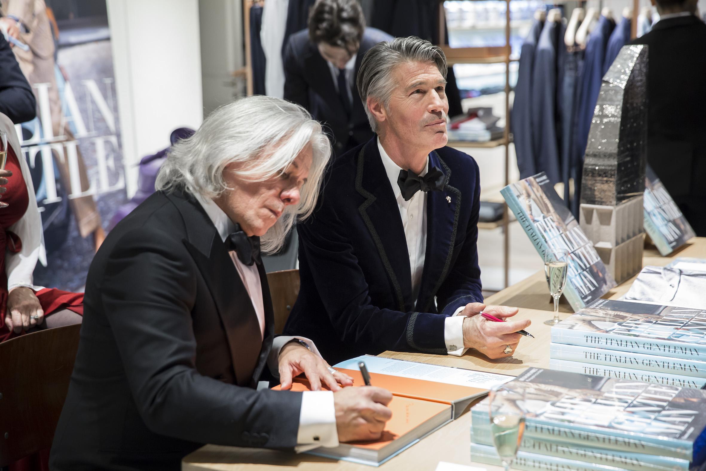 """Événements de dédicace de """"The Italian Gentleman"""" : les photos"""