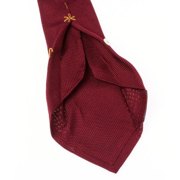 Howard's cravate-7-plis-bordeaux-en-grenadine-de-soie-petite-maille