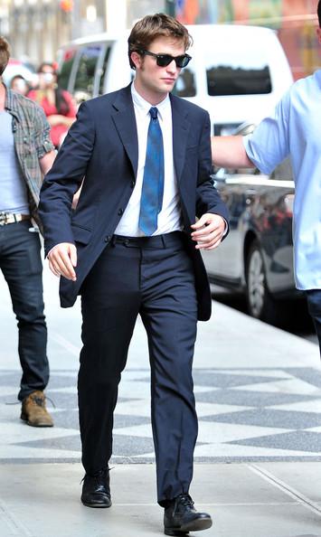 Pattinson+s+dapper+look+KhJsFWmBRZtl