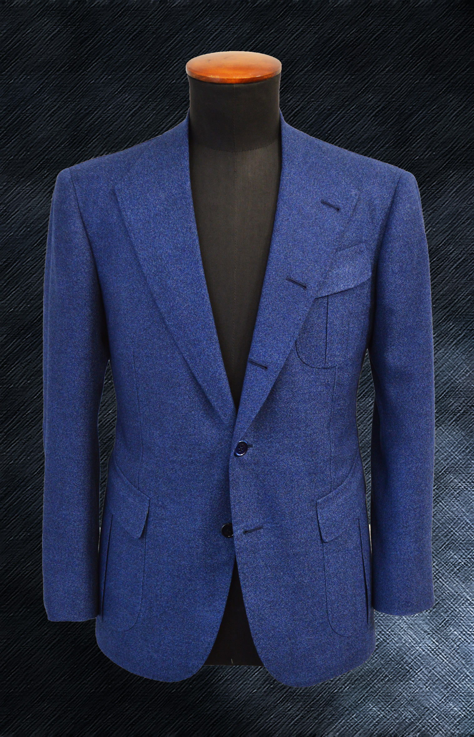 Lorenzo Cifonelli designs with Drago a one-of-kind bespoke jacket