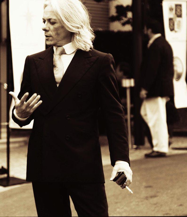 Hugo Parisian Gentleman