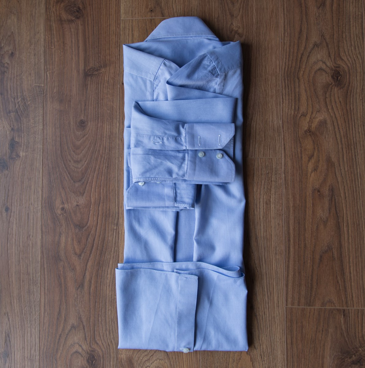 How to fold a shirt 4