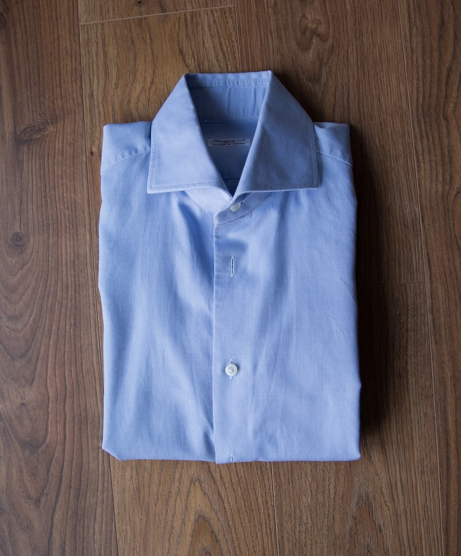 How to fold a shirt 5