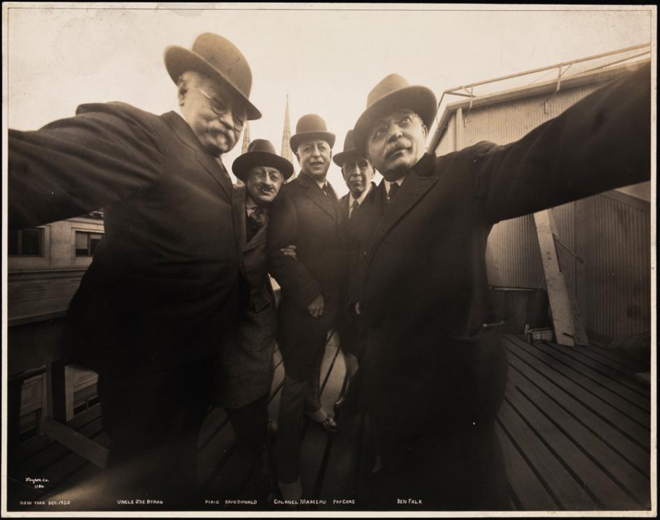 Selfie Byron Group
