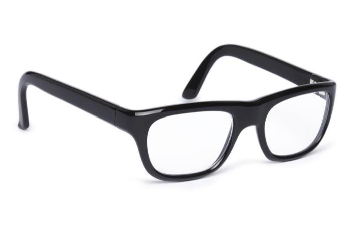 017-lunette-en-acetate-noire-coque-modele-1950-press-room_Z3I5311-maison-bonnet-700
