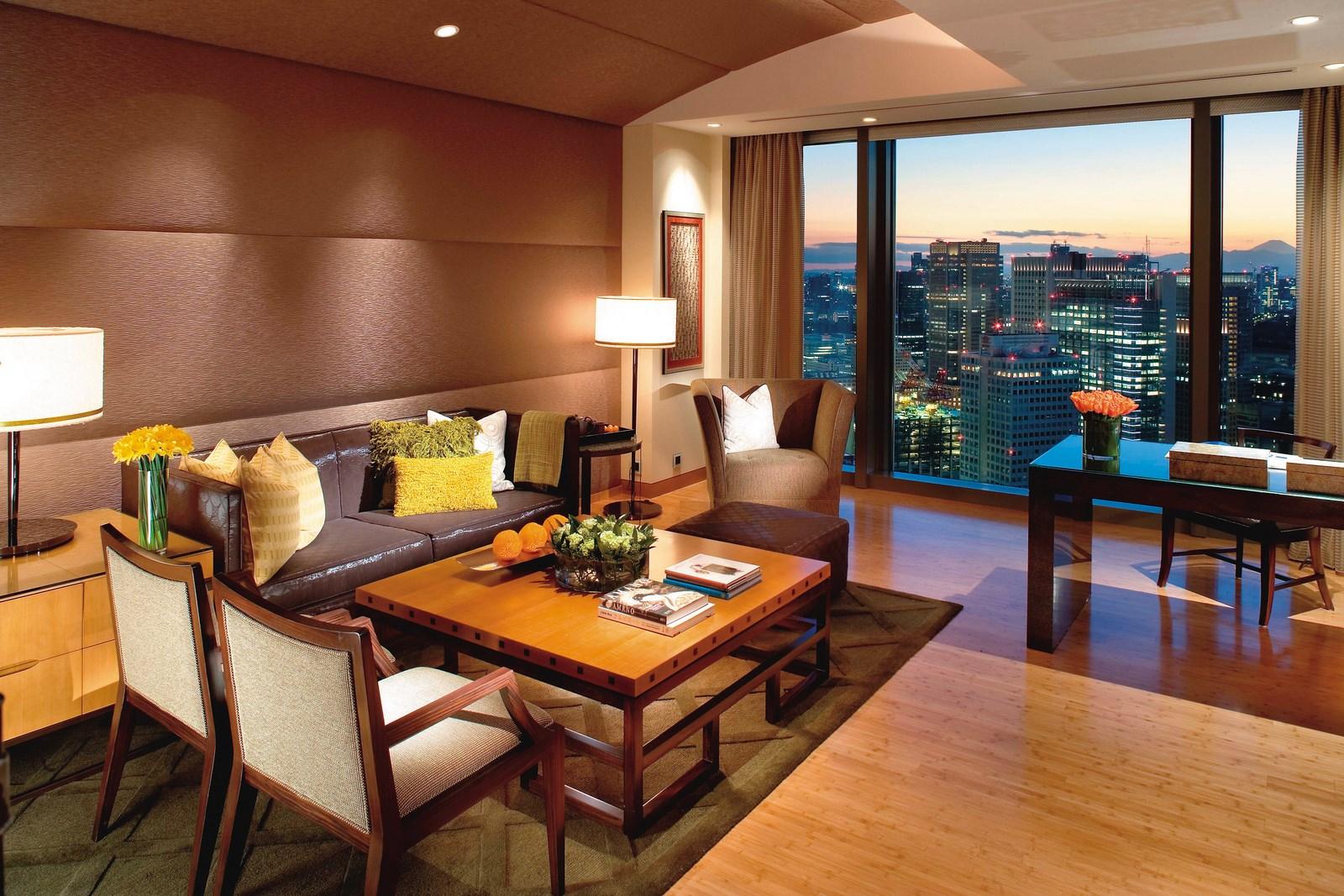 tokyo-suite-mandarin-suite-living-room-01 [1600x1200]