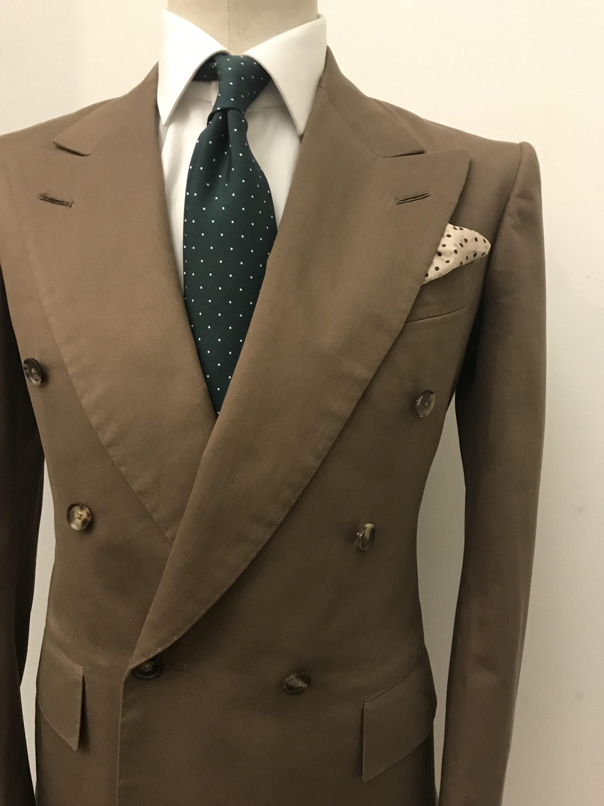"""Where to Find a Good Tailor in Berlin : The London Flair of """"Purwin & Radczun"""""""