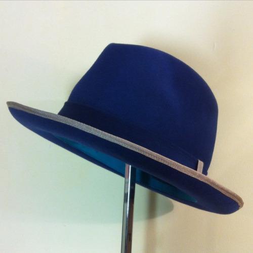 Fedora Bleu bords gansés