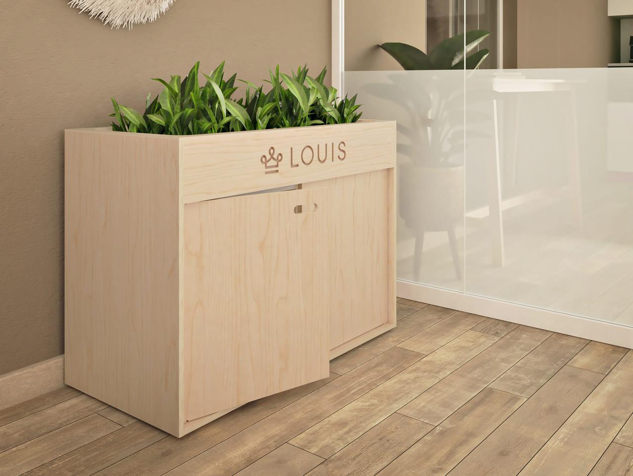 Armoire de rangement en bois disposée dans une salle de réunion à l'ambiance bohème et ethnique et personnalisée avec des plantes vertes et la gravure du logo de l'entreprise LOUIS pour une certaine personnalisation