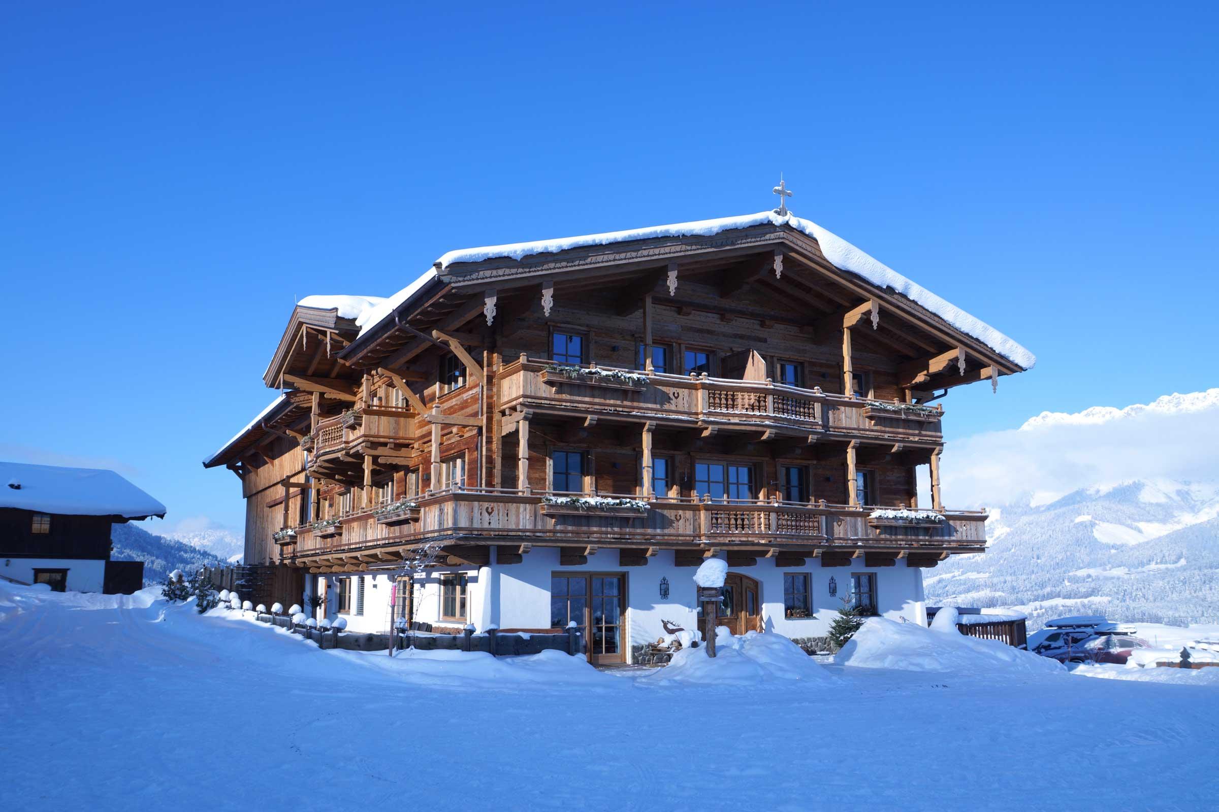 Der Naschberghof im Winter.