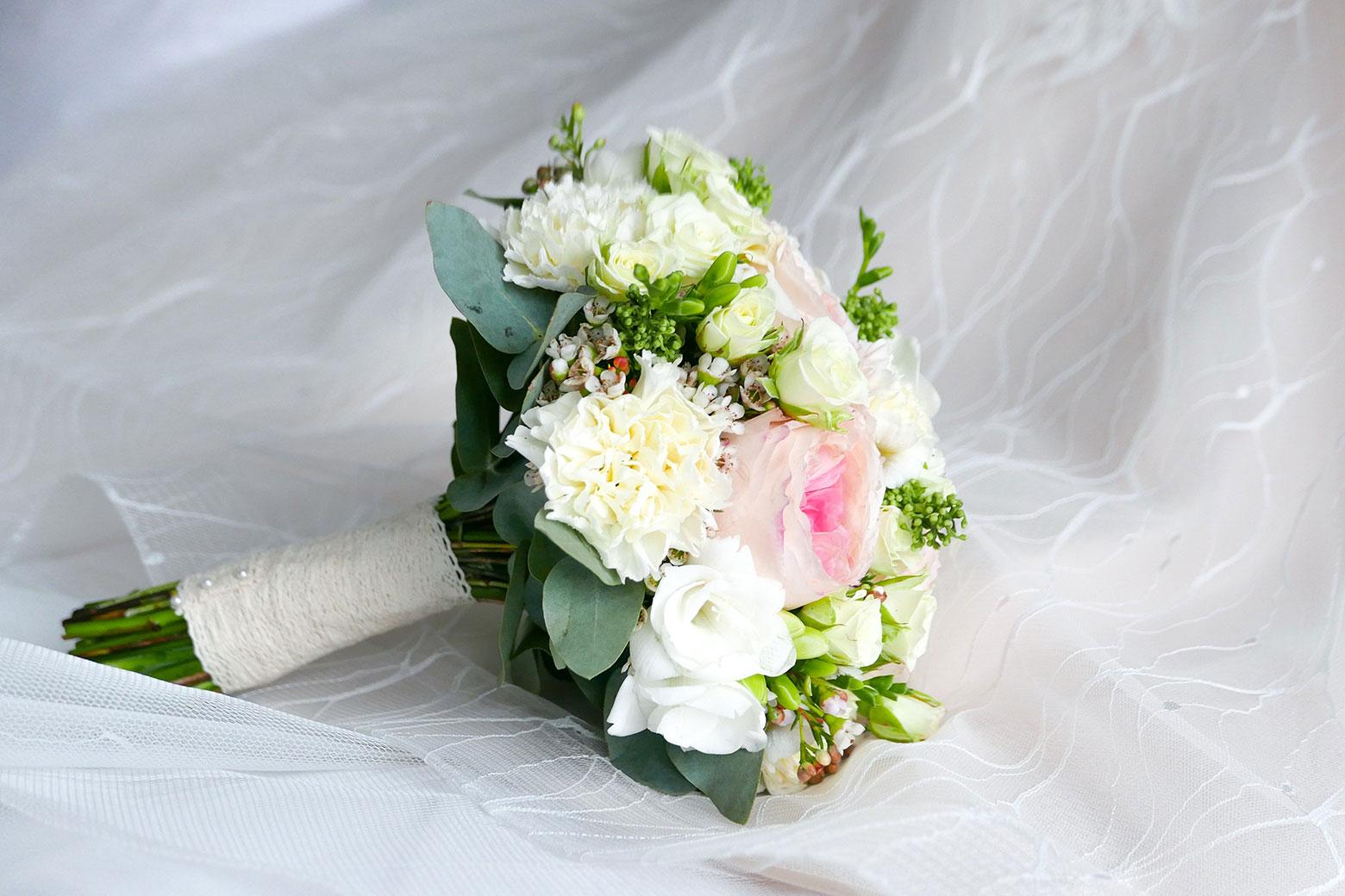 Een voorbeeld van een van onze bruidsboeketten wat kunt bestellen.