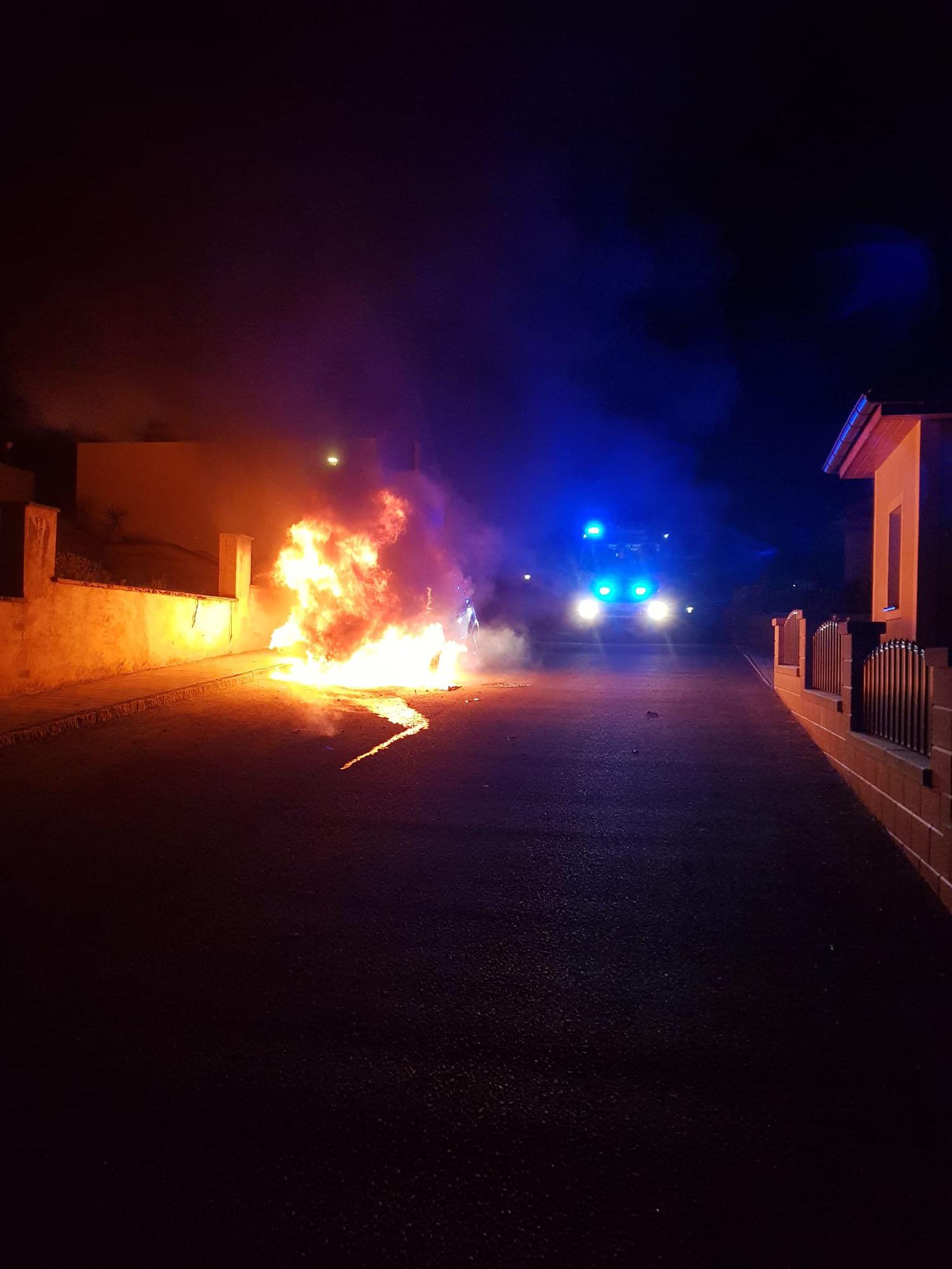 Fahrzeugbrand Dietmanns