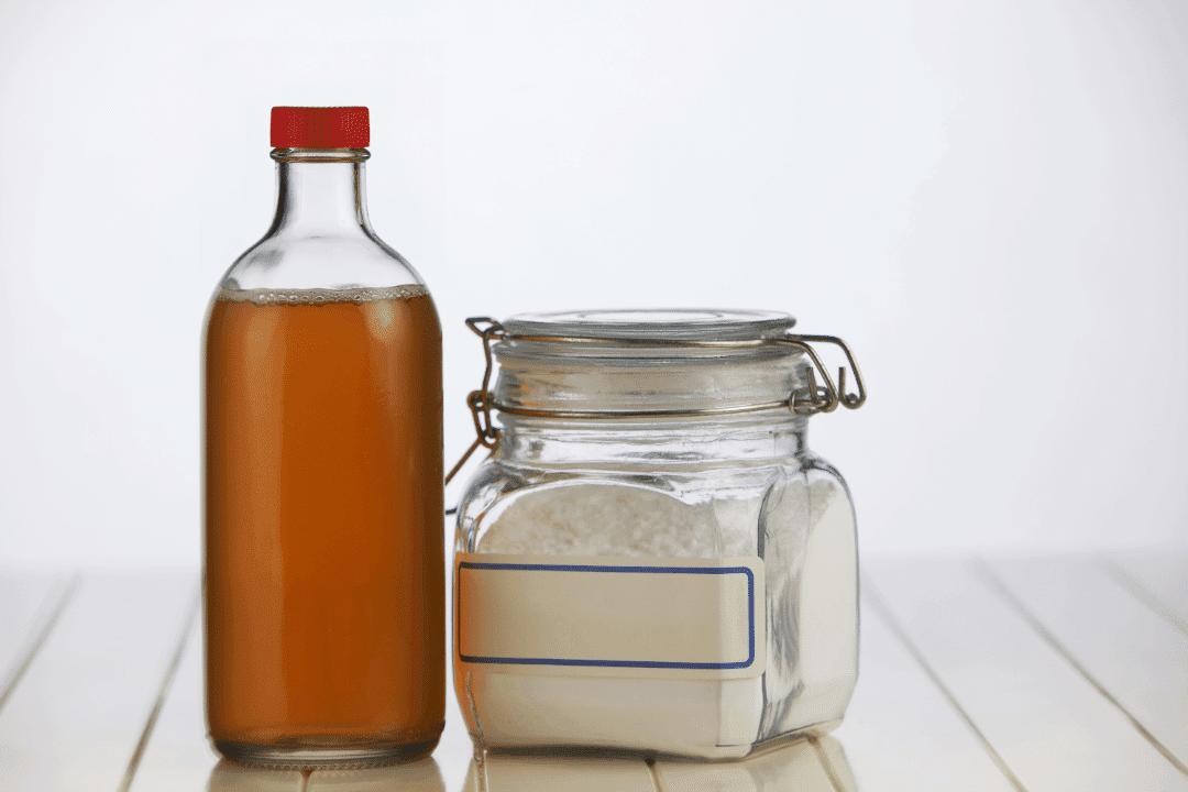 apple cider vinegar and baking soda in jars