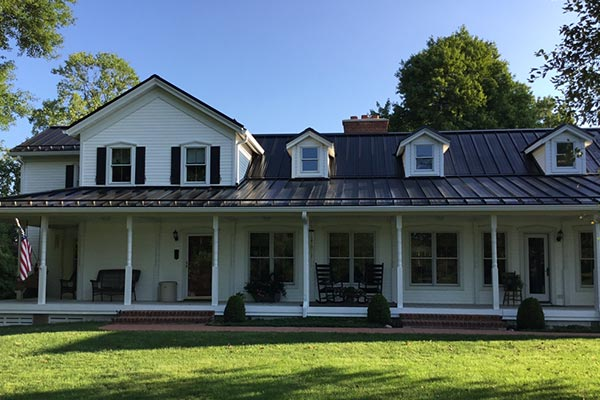How to Hire The Right Roofer: 4 Things You Need to Know Installing a new roof could be one of the biggest home improvement projects