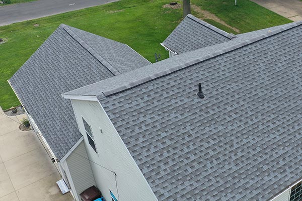 Sorting Out Shingle Roofing: 4 Tips to Find The Best Roof For Your Home Rooftop shingles are your home's first line of defense against the