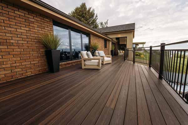 composite deck in rustic walnut