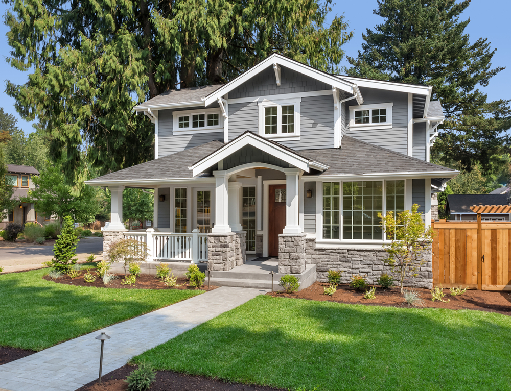 As you read about how to make the right choices when designing or renovating your home's exterior, you'll learn: ●How to balance form and function when choosing exterior elements ●Tips for deciding between exterior paint colors, building materials, design styles, and more ●How to make sure your exterior home elements complement each other